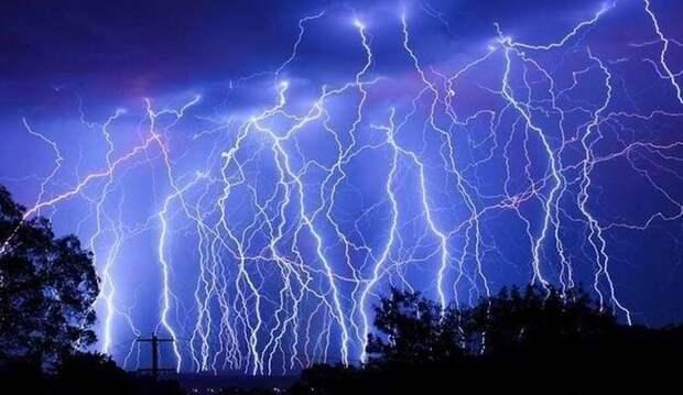 Загадочная молния поразила десятки немцев
