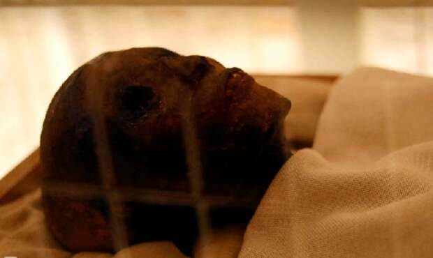 Тутанхамон-мумия
