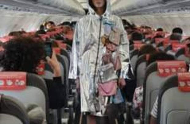 На борту Iberia Express устроили модный показ
