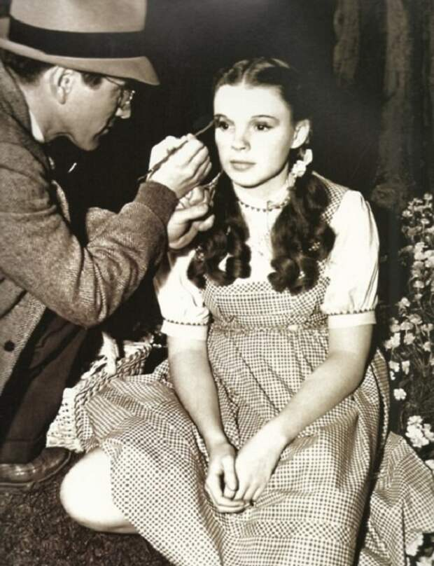 Judy Garland перед съемками.   Фото: st.kp.yandex.net.
