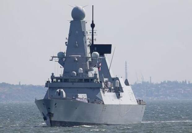British Royal Navy's Type 45 destroyer HMS Defender arrives at the Black Sea port of Odessa, Ukraine June 18, 2021. Picture taken June 18, 2021. REUTERS/Sergey Smolentsev