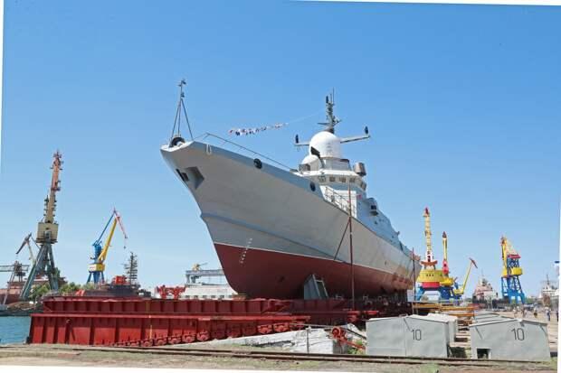 В Керчи спустили на воду малый ракетный корабль проекта 22800 «Циклон»