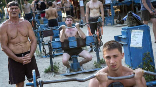 Качалка в Гидропарке. Что известно о самом брутальном спортзале Киева