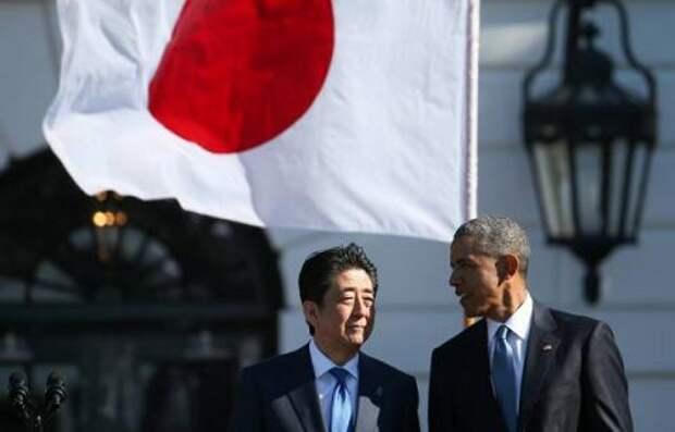 Барак Обама с премьер - министром Японии Сидзо Абэ