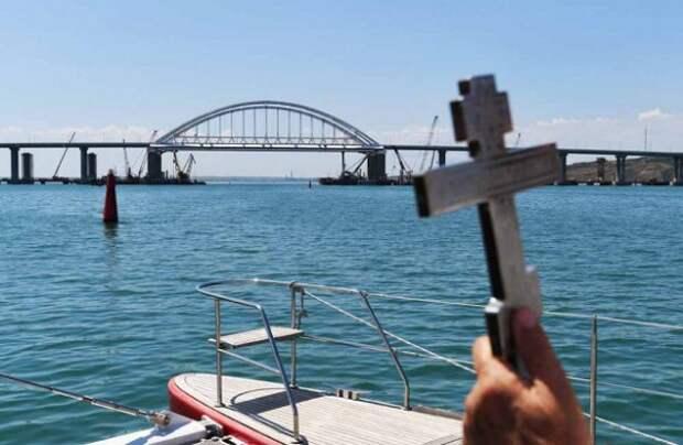 Крымский мост решил взять на вооружение «дедовский метод»