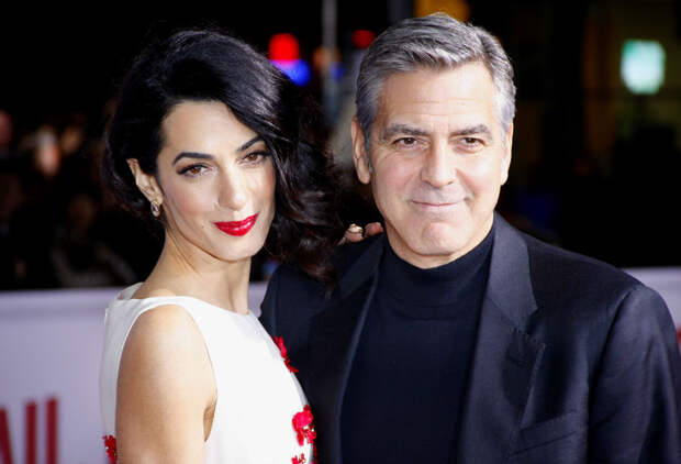 Джордж Клуни учит детей «ужасным вещам»