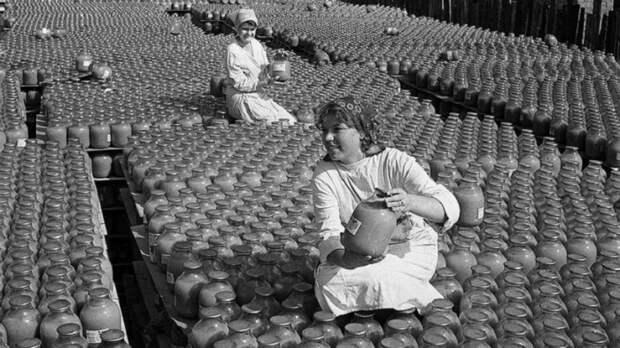 В СССР соки были натуральные и стоили копейки, потому что фрукты выращивали на своей земле.