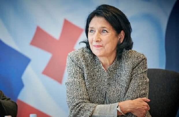 Зурабишвили лидирует на выборах президента Грузии