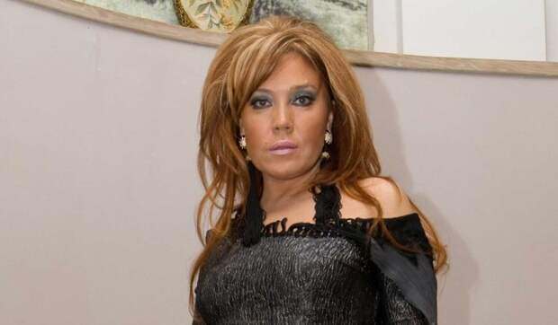 56-летняя Азиза заявилась на новогоднюю программу без нижнего белья