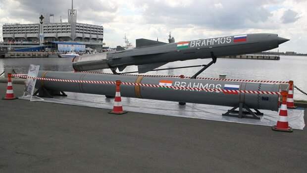Противокорабельная ракета«БраМос» намеждународном военно-морском салоне