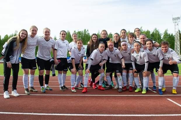 8 футболисток ушли из клуба «Торпедо» в Ижевске