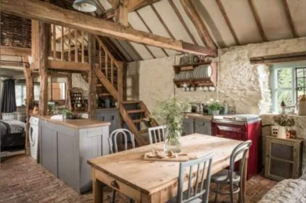 Лесная хижина XV века превратилась в популярное место колоритного отдыха