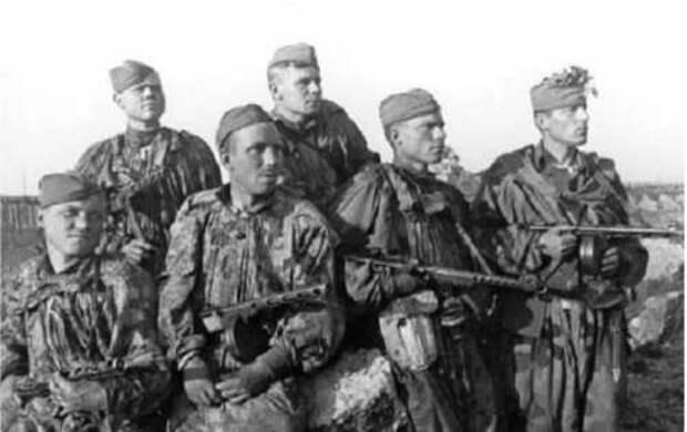 Бойцы Отдельной мотострелковой бригады особого назначения НКВД СССР