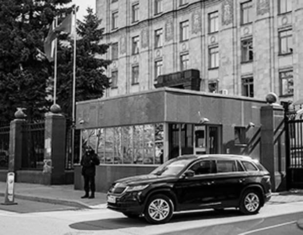 Посольство Чехии в Москве опустело