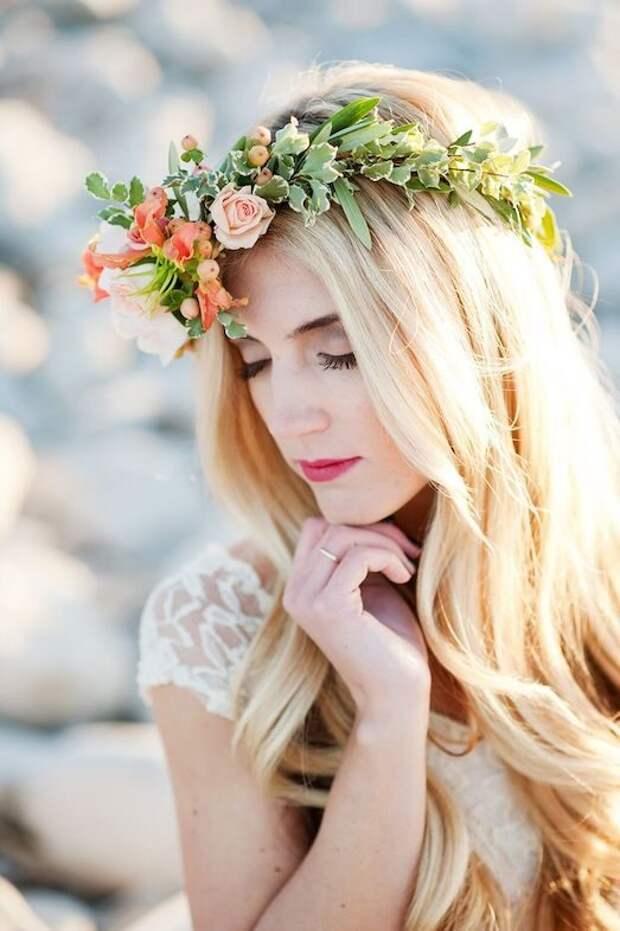 Свадебный венок — отличное украшение для невесты