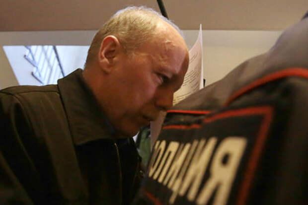 Водитель, поставивший на колени мальчика в Приозерске, пошел под суд