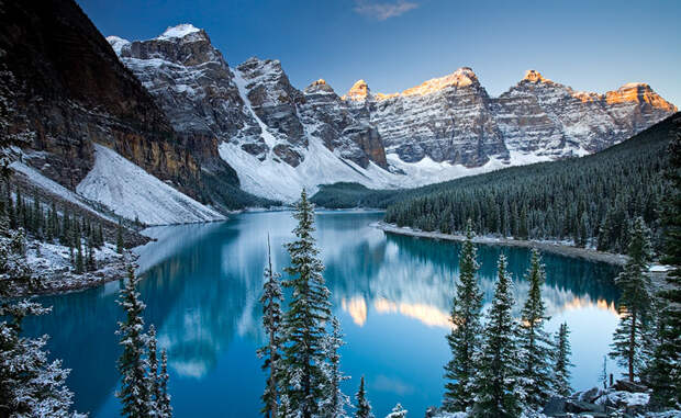 Winter snow at Moraine Lake, Banff National Park