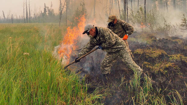 Якутия горит все лето, но начали тушить ее только сейчас. Почему? (ФОТО + ВИДЕО)
