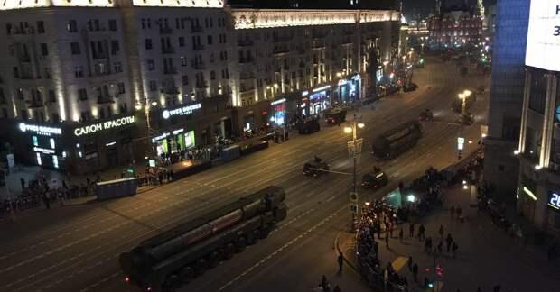 Photo published for Демонстрация приспособлений для убийства на Тверской