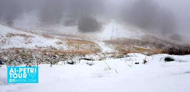 В Крыму выпал первый снег (ВИДЕО, ФОТО)