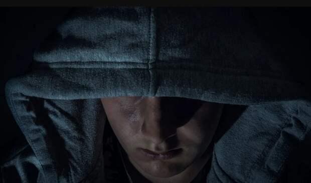 Малолетний грабитель терроризировал женщин в Симферополе