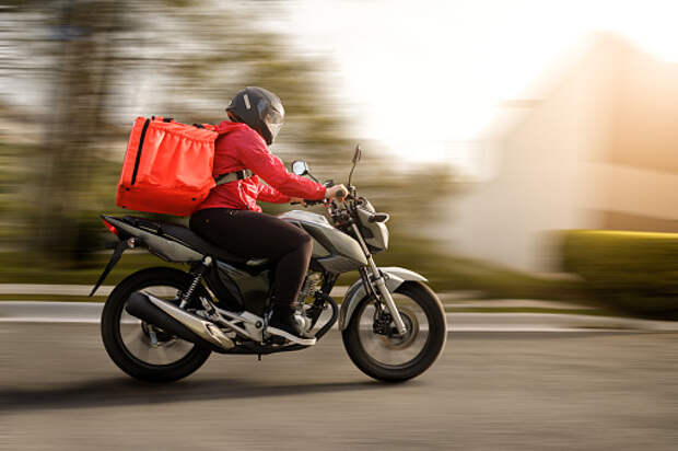 На Хачатуряна мотоциклист сбил девочку