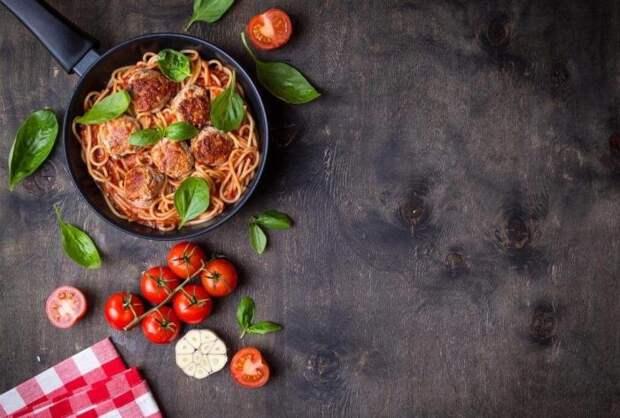 Спагетти с тефтелями. \ Фото: blog.metro.ua.