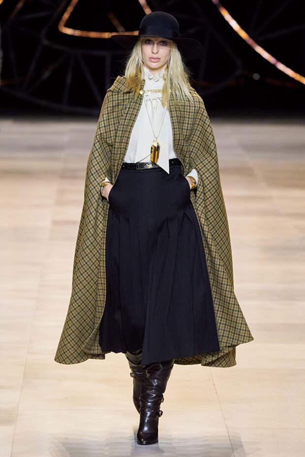 Строгие и модные юбки на осень 2020: какие носить в офис и всех вдохновлять