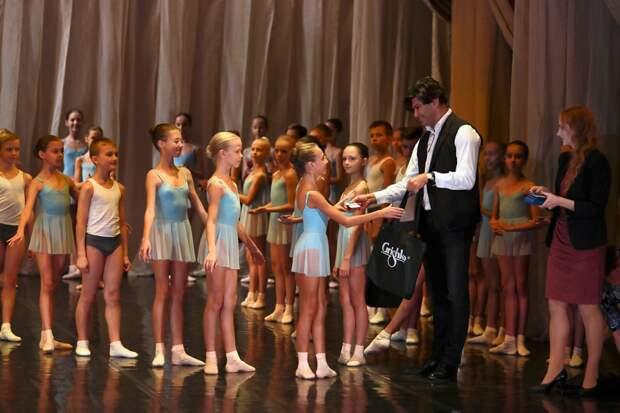 Николай Цискаридзе: «Не надо танцевать «Лебединое озеро» на автобусах»