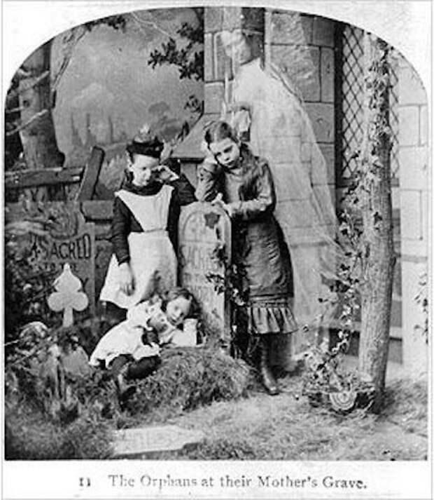 Фотографии с умершими родственниками, популярные в Викторианскую эпоху (10 кадров)