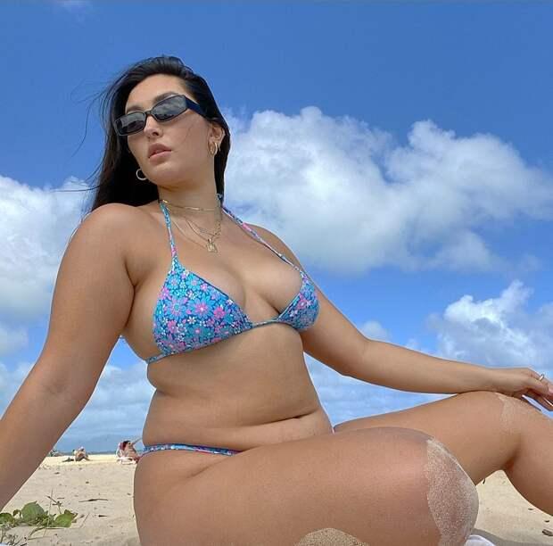 Как выглядит самая известная плюс-сайз модель азиатского происхождения, которая весит 110 кг