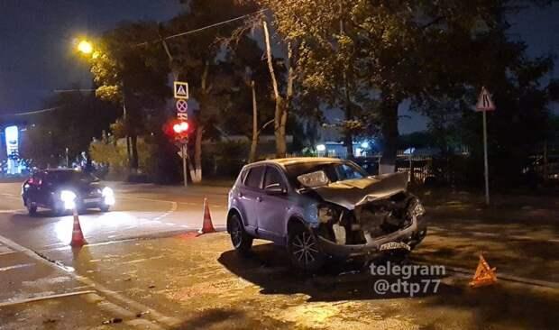 Участниками серьезной аварии на Ставропольской стали три автомобиля