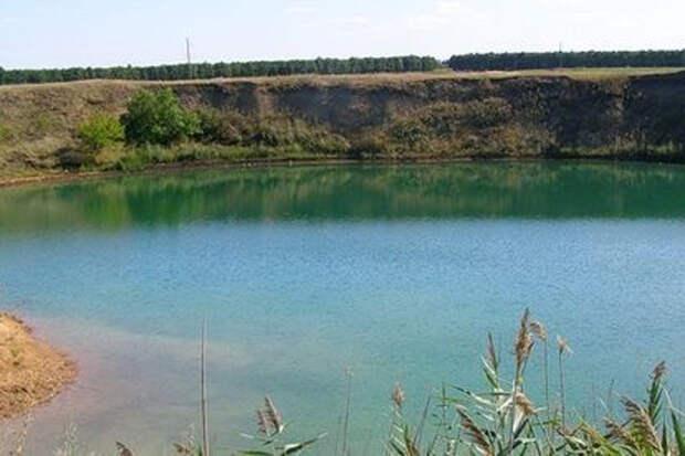 Таинственное озеро появилось на Украине. Местные в шоке от происходящего!
