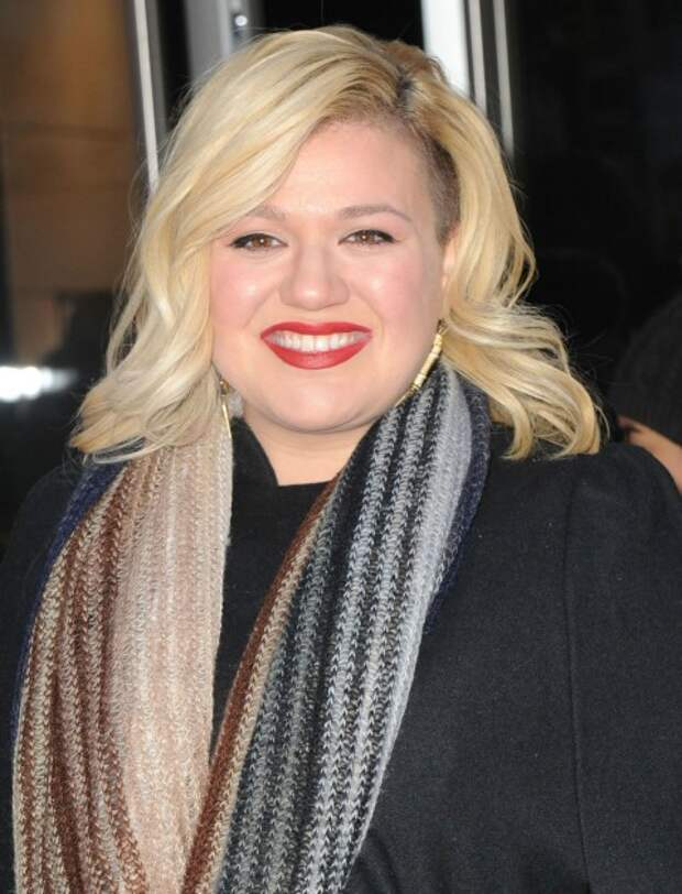 Kelly Clarkson Defends Cover of Tokio Hotel Song