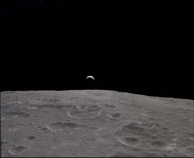 1969. «Аполлон-12». 19 ноября. Восход Земли