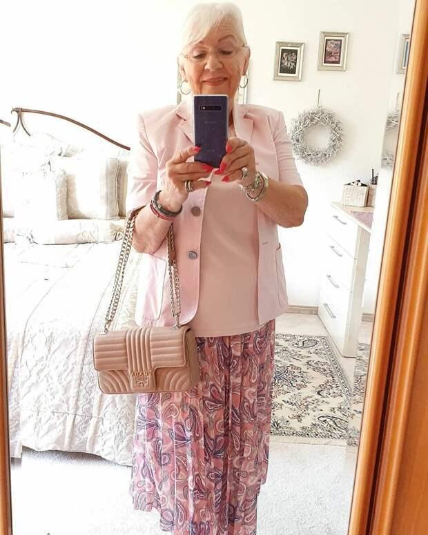 Вот как нужно одеваться в 70 лет: 6 стильных образов от пенсионерки Хельги Люкс – Секреты стиля – медиаплатформа МирТесен