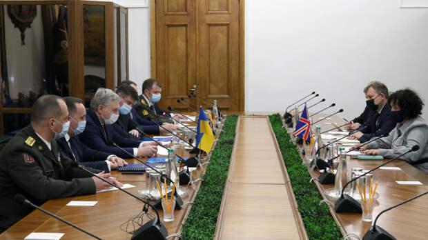 Министр обороны Украины и посол Великобритании провели переговоры