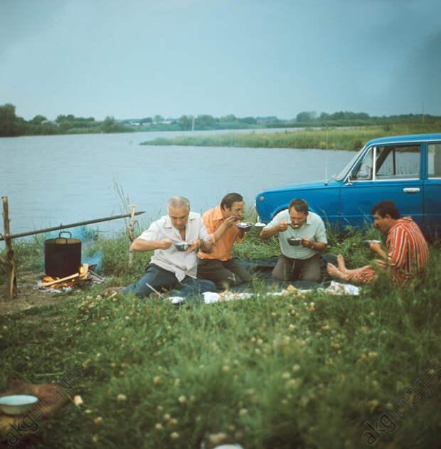Пикник на берегу Дона, 1978: СССР в фото, подборка