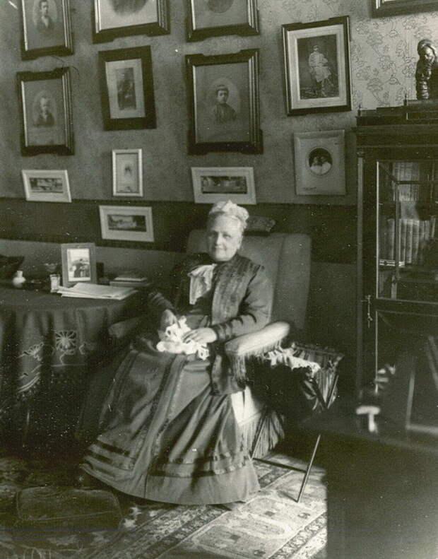 Смольной институт благородных девиц, где воспитывали лучших фрейлин и добропорядочных жён