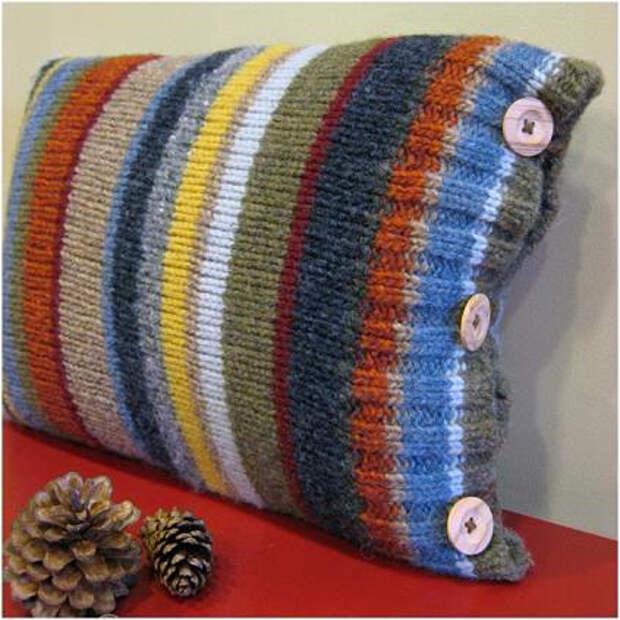 полосатая подушка из св (423x423, 192Kb)