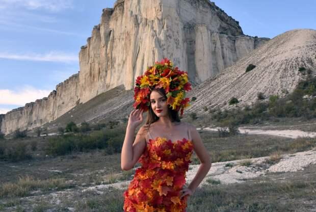 Модный показ у Белой Скалы