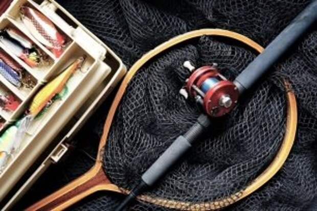 Заказываем суши и идём на рыбалку