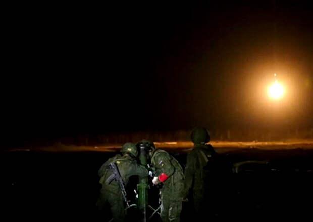 В Нижегородской области минометчики танковой армии ЗВО уничтожили огневые позиции условного противника в ночное время