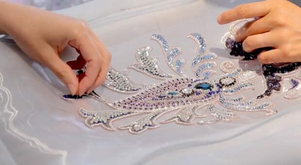 В ателье Schiaparelli Haute Couture: как создается высокая мода