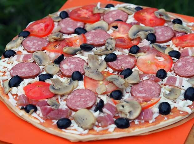 Пицца против пиццы
