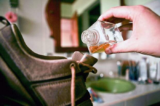 эфирное масло и обувь
