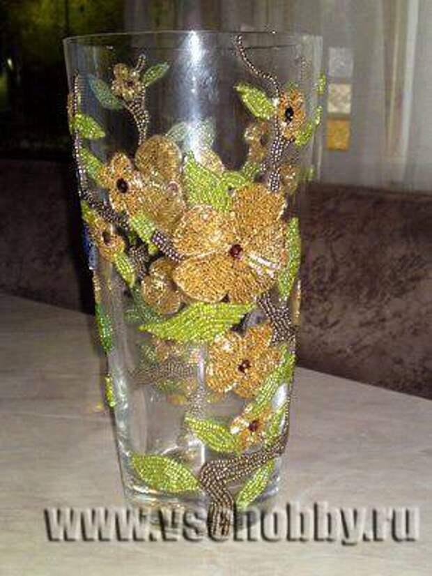 декорируем вазу бисером технология обклеивания вазы не целиком