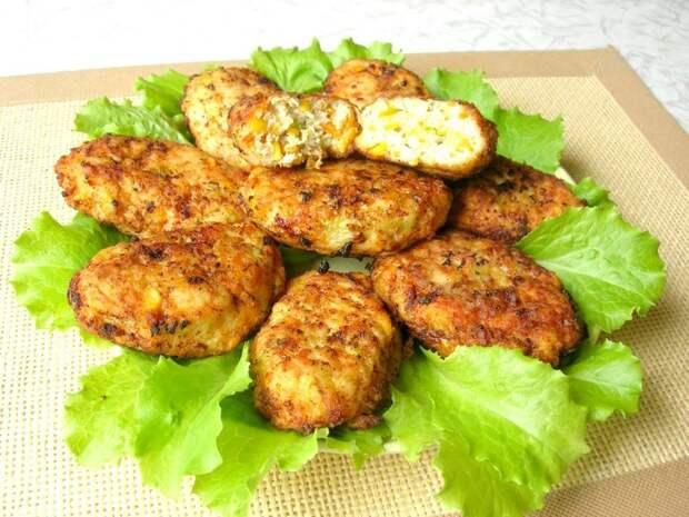 Сочные котлеты по-гавайски. Можно готовить хоть каждый день – просто и вкусно! видео, еда, котлеты, кулинария, куриные котлеты, рецепты