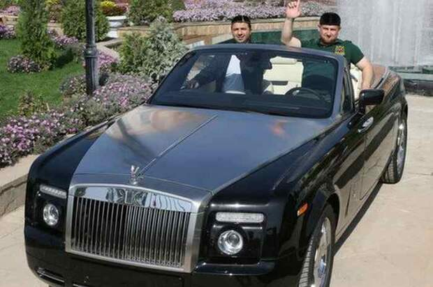 Ну и огромное количество Rolls-ов у него тоже есть.