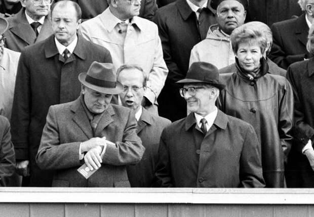 30 июля 1992 года из России был выдворен бывший глава ГДР Эрих Хонеккер